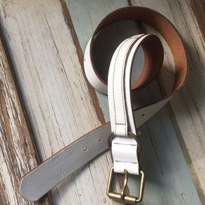 Gap white leather belt 💕❤️🎁💖